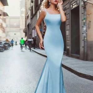 Dresses & Skirts - Chic Mermaid Gown